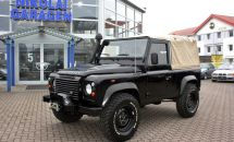 Land Rover Defender.jpg